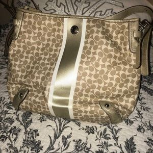 Coach Chelsea heritage hobo bag (gold)
